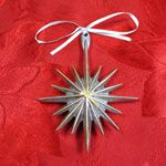 Mariposa Brillante Gilded Star Sandcast Aluminum Ornament