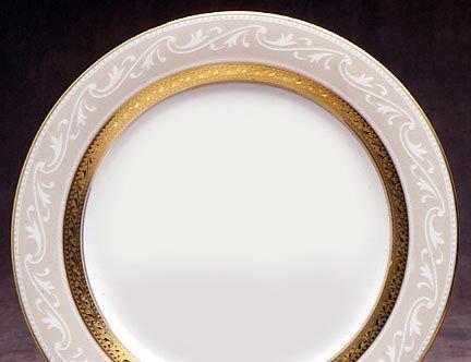 Noritake China Crestwood Gold 20Pc China Set Service for 4