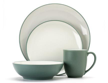 Noritake Colorwave Green Dinnerware 4pc Place Setting Coupe  sc 1 st  Silver Superstore : green stoneware dinnerware - pezcame.com