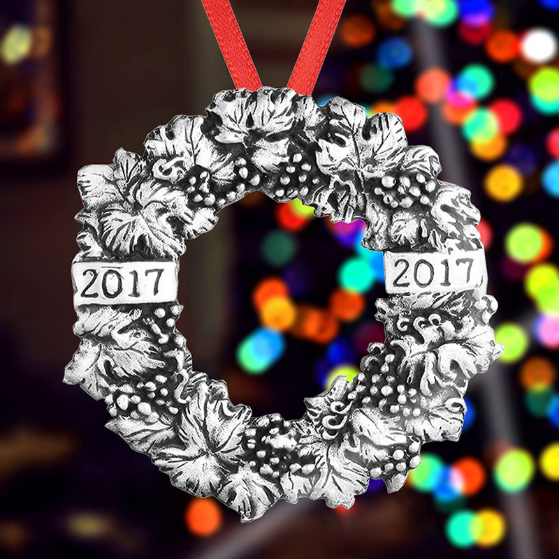 2017 Christmas Wreath Ornament Christmas Ornament | Hand and Hammer Christmas Tree Decoration | Christmas Wreath